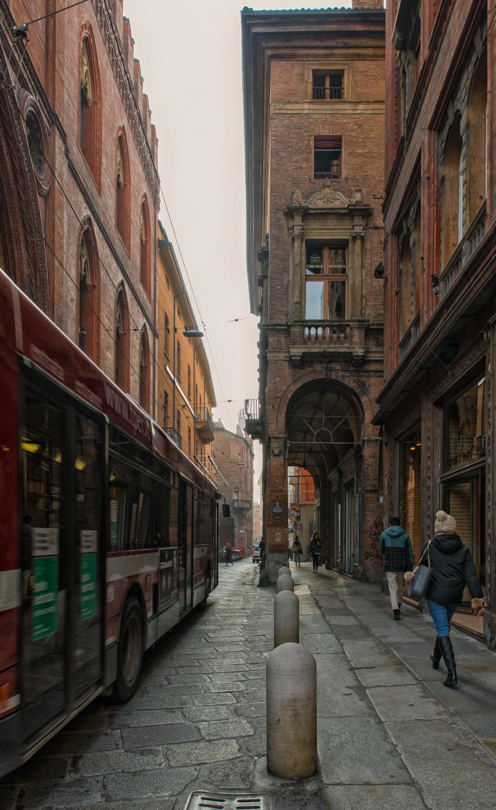 Via Castiglione-Centro storico di Bologna